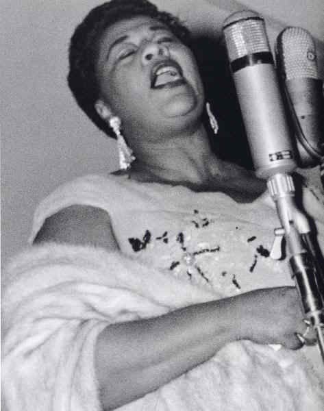 Ella Wishes You A Swinging Christmas.The Bluegrass Special December 2009 Ella Fitzgerald